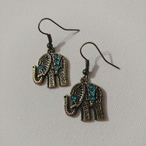 🆕 Antique Copper Blue Topaz Elephant Earrings 💙
